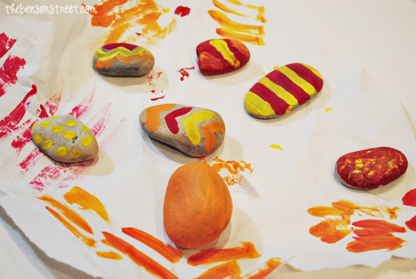 Painted Rocks for Fall Wind Chimes for Kids at thebensonstreet.com