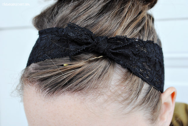 Easy DIY Lace Headwrap at thebensonstreet.com