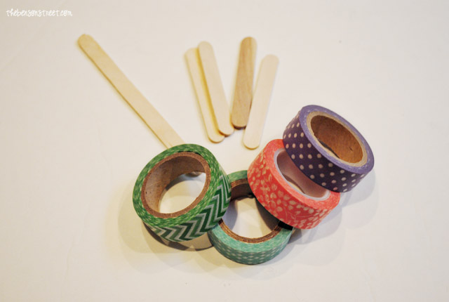 Washi Tape and Popsicle Stick Flowers Spring Craft at thebensonstreet.com