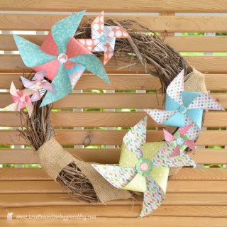 Pinwheel-Wreath-04